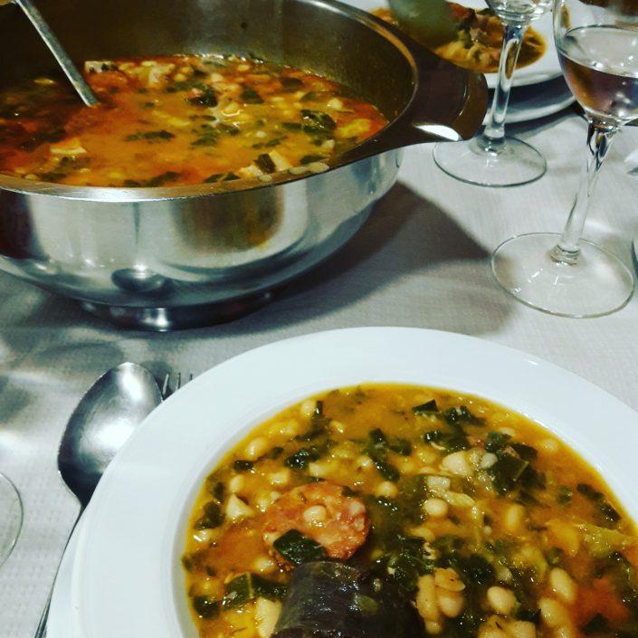 Posada Bernabales Gastronomía image 1