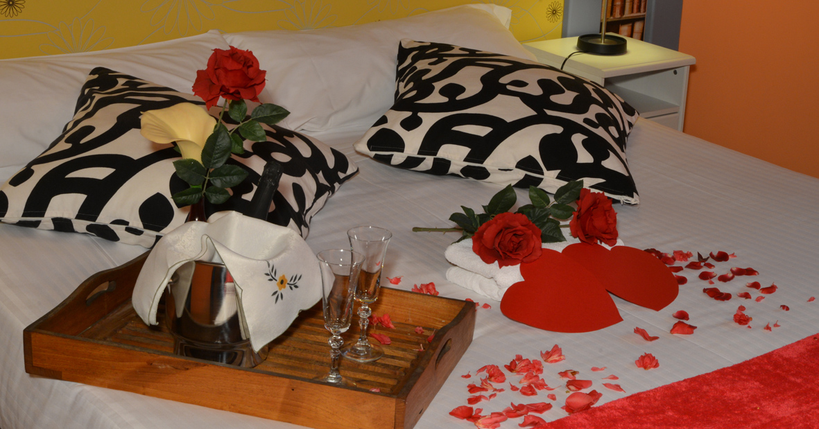 Cama decorada romanticamente
