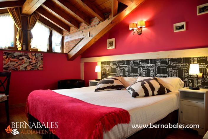 Alojamiento en cabarceno-Habitacion con hidromasaje-bernbales-Lierganes